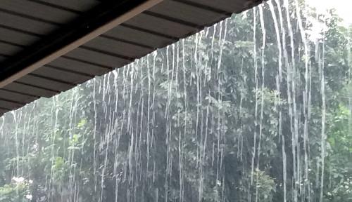 Foto Satu Keluarga Disambar Petir, Waspada Musim Hujan ya!