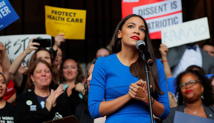 Foto Berita Mengenal Alexandria Ocasio-Cortez, Anggota Kongres Wanita Termuda di AS