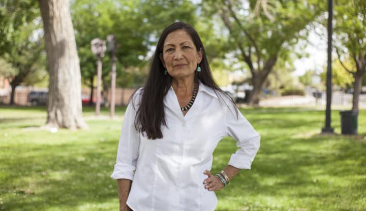 Anggota Kongres dari Suku Asli Amerika ini Janji Lawan Perubahan Iklim - Warta Ekonomi