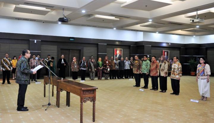 Foto Berita Menteri Puspayoga Lantik 6Pejabat Tinggi Madya di Kemenkop-UKM