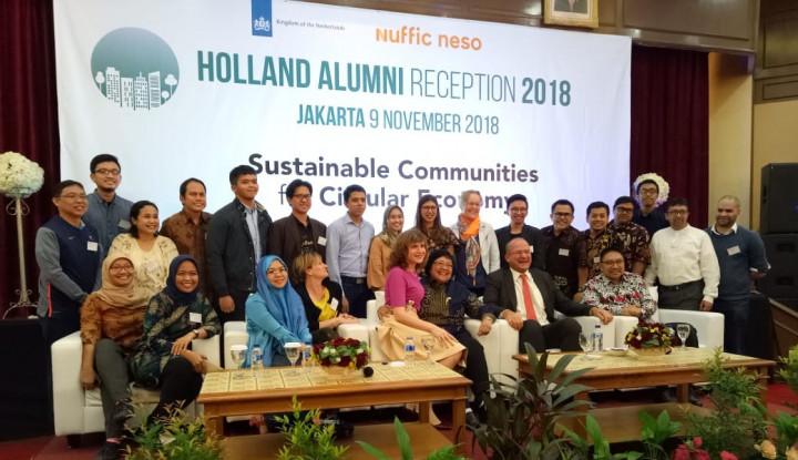 Foto Berita Menteri Siti Ajak Warga Belajar Kelola Sampah dari Belanda