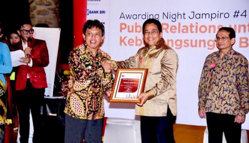 Foto Ketua DPR RI Bambang Soesatyo Mendapat Penghargaan Best Communicators 2018