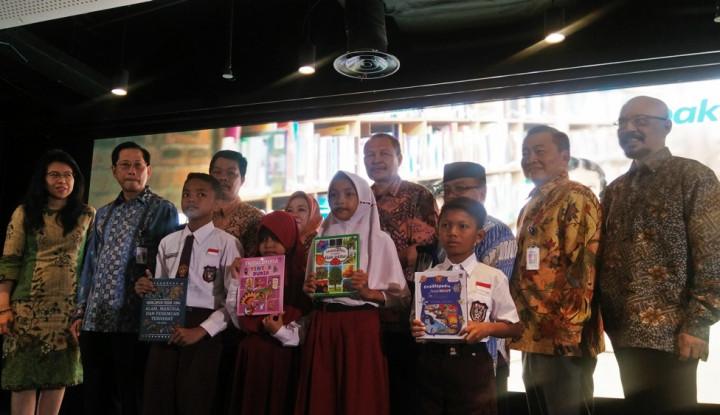 BCA Salurkan 43.734 Buku Hasil Konversi Donasi Rp2,553 M - Warta Ekonomi