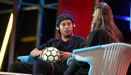 Foto Ronaldinho Kepincut Buka Akademi Sepak Bola di Arab Saudi