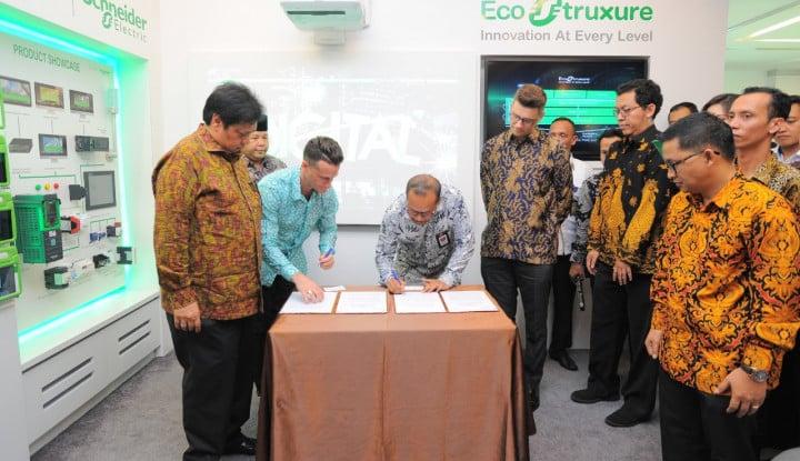 Foto Berita Kemenperin Gandeng Schneider Electric Dukung Penerapan Industri 4.0