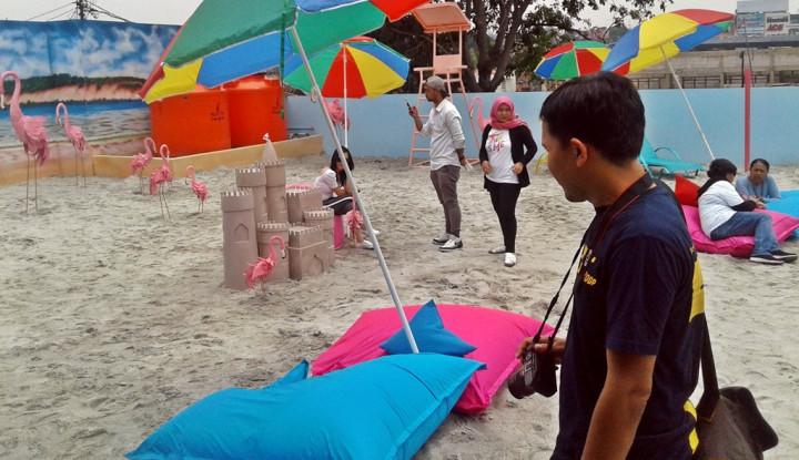Wuiiih, Ada Pantai Pasir Putih di Wisata Selfie Bandung - Warta Ekonomi