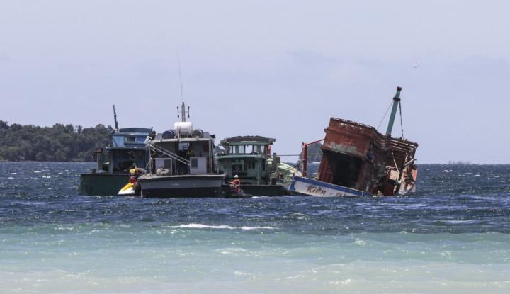 Foto Berita Menteri Susi Klaim Telah Tenggelamkan 488 Kapal Pencuri Ikan
