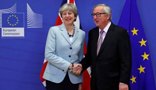 Foto Theresa May Lolos Mosi Tidak Percaya, Brexit Jalan Terus