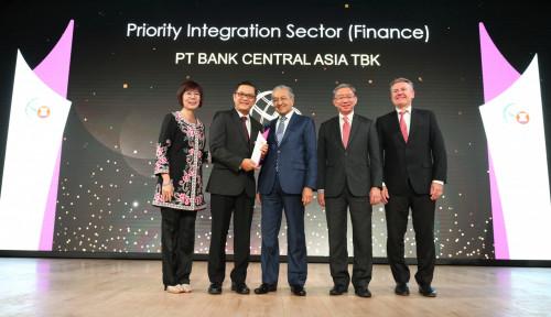 Foto Cetak Performa Solid, BCA Bawa Asean Business Awards