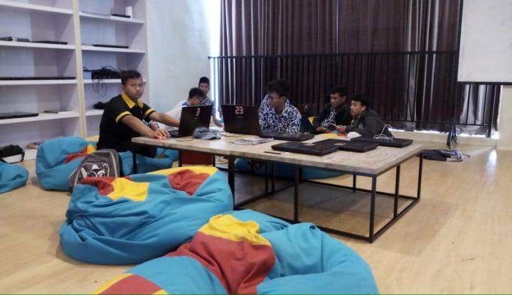 Siswa SMK Animasi Binaan Djarum Magang Proyek Rp150 Juta per Menit - Warta Ekonomi
