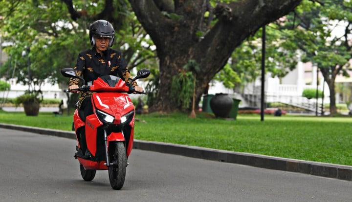 Pemenang Lelang Motor Gesits Jokowi Ternyata Cuma Kuproy, Bukan Pengusaha