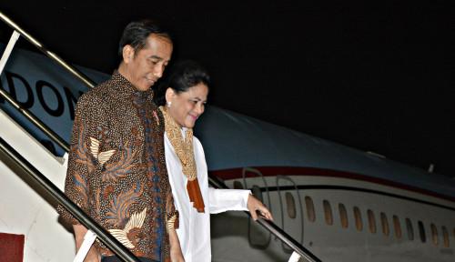 Foto Jokowi Ikut Cukur Massal di Situ Bagendit