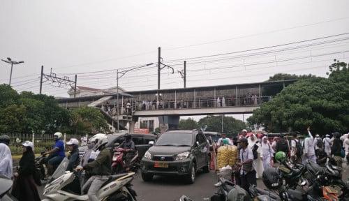 Foto Masa Halal Bihalal di Jalan, Sindiran ke PA 212 Ngena Banget!