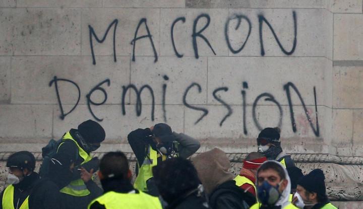 Foto Berita Sepulang dari Buenos Aires, Presiden Prancis Dihadapkan dengan PR Besar