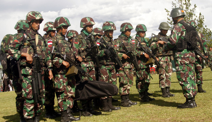 Ya Allah, Kelewatan! Teroris Papua Bombardir Dua Prajurit TNI Saat Sedang Shalat