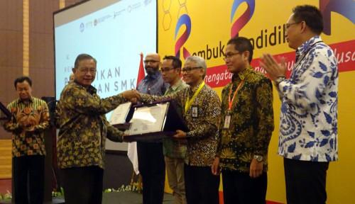 Foto PLN Jadi Satu-satunya BUMN Peraih Penghargaan Kemendikbud untuk Vokasi Siswa SMK