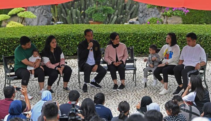 Foto Berita Jokowi Feeling Mantunya Miliki Potensi Terjun ke Politik, Kalau Gibran dan Kaesang?