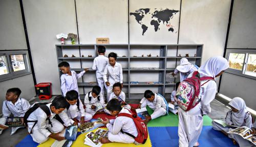 Foto Berdonasi untuk Sekolah, Konglomerat Ini Pecahkan Rekor Sejarah!
