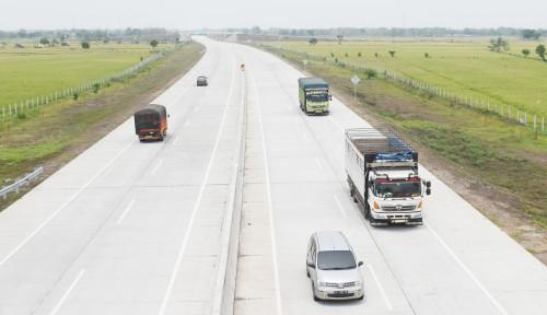 Foto Catatan Akhir Tahun: Menanti Terhubungnya Ruas Tol Trans-Jawa