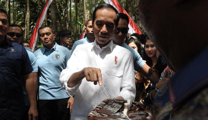 Foto Berita Jokowi Borong Produk Petani Jambi, Apa Saja?