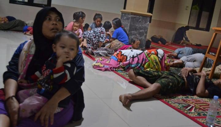 Pengungsi di Desa Tarahan Belum Terima Bantuan - Warta Ekonomi
