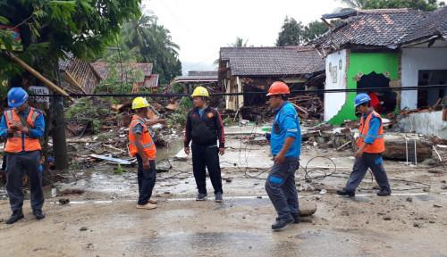 Foto Basarnas Terus Evakuasi Korban Tsunami Lampung dan Banten
