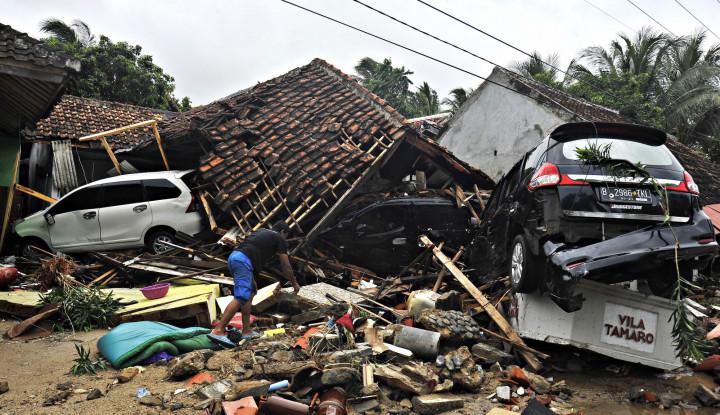 Total 443 Rumah di Pandeglang Rusak Akibat Tsunami - Warta Ekonomi
