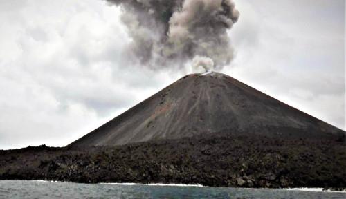 Foto Aktivitas Gunung Anak Krakatau Menurun, BMKG Izinkan Pengungsi Pulang ke Rumah