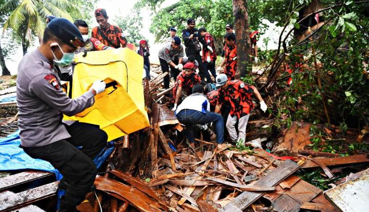 Foto Berita Siap 86, Polisi Sibuk Tangani Pengamanan Gereja dan Korban Tsunami