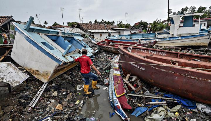 Foto Berita Bank Lampung Salurkan Bantuan Korban Tsunami Lampung Selatan