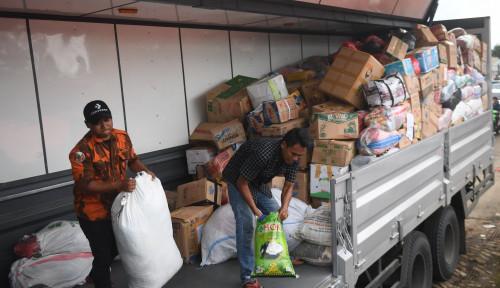 Foto Muslim Uighur Salurkan Bantuan untuk Korban Tsunami Selat Sunda