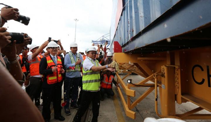 Kali Pertama, Kuala Tanjung Layani Ekspor Peti Kemas - Warta Ekonomi