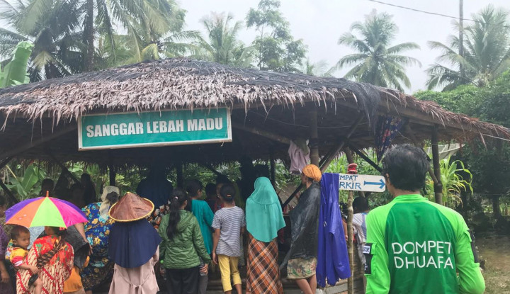 Foto Berita Tsunami Lumpuhkan Ekonomi Peternak Madu Binaan Dompet Dhuafa