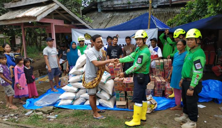 Relawan BSI Bantu Korban Tsunami Selat Sunda - Warta Ekonomi