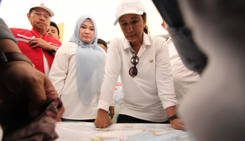 Foto Untuk Pengungsi Tsunami,  Rini Tak Setuju Tenda Darurat
