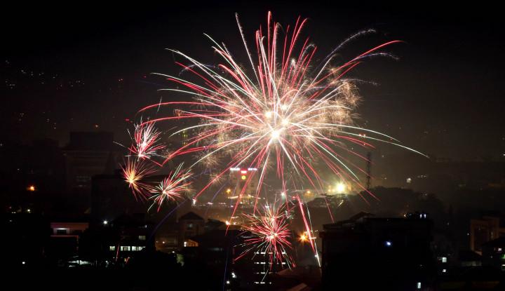 Foto Berita Potensi Gelombang Tinggi, Pesta Kembang Api Kuta Pindah Lokasi