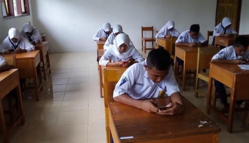 Foto Edit Soal Ujian Diduga Lecehkan Nabi Muhammad, Sambil Menangis Guru Ini Minta Maaf