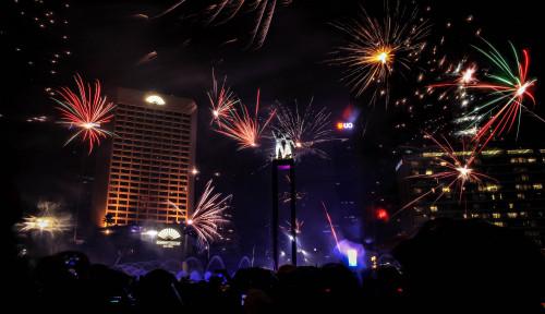 Foto Catat Guys! Ini 4 Lokasi Asyik di Jakarta buat Nonton Pesta Kembang Api Malam Tahun Baru