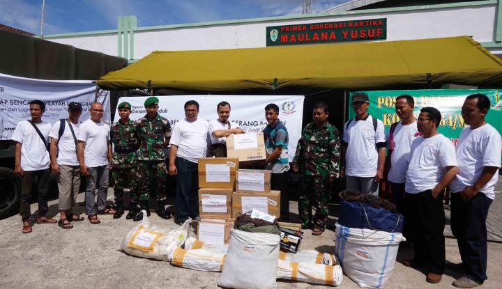 Memitigasi Bencana, Danamon Serahkan Bantuan untuk Korban Tsunami Selat Sunda - Warta Ekonomi