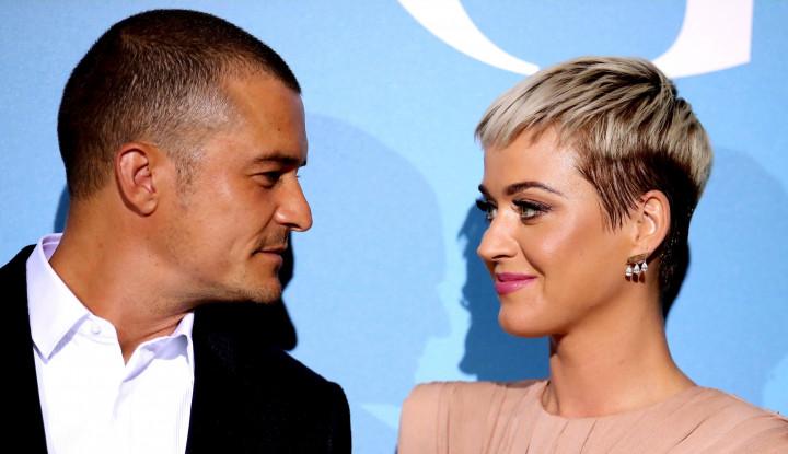 Foto Berita Katy Perry dan Orlando Bloom Semakin Serius