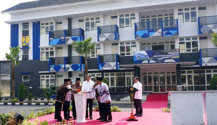 Jokowi Resmikan 3 Rusun Hingga Jembatan di Tulungagung - Warta Ekonomi