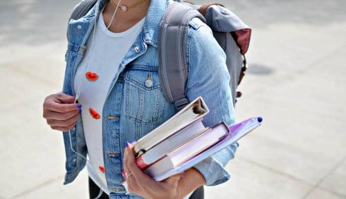 Orang yang Tak Kuliah Lebih Bahagia dari Lulusan Sarjana, Peneliti Ungkap Penyebabnya