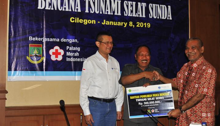 Chandra Asri Petrochemical Salurkan Rp500 Juta untuk Pandeglang Pasca Tsunami Selat Sunda - Warta Ekonomi