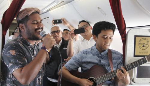 Foto Bidik Milenial, Garuda Indonesia Tampilkan Live Music dalam Penerbangan