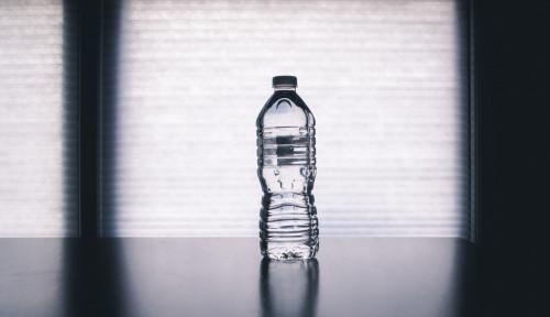 Meski Jernih, Masyarakat Harus Perhatikan Kualitas & Kebersihan Air Minum yang Layak Konsumsi
