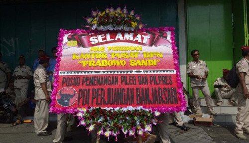 Foto Dikirimi Karangan Bunga oleh PDIP, Kubu Prabowo Malah Nyinyir