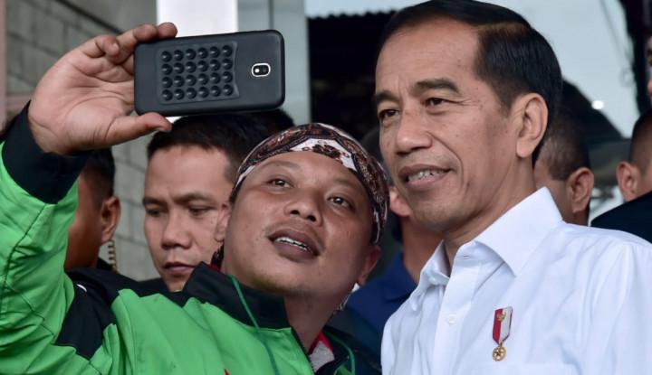 Foto Berita Lihat Tanggapan Jokowi Ketika Tim Prabowo-Sandi Bangun Posko Dekat Rumahnya