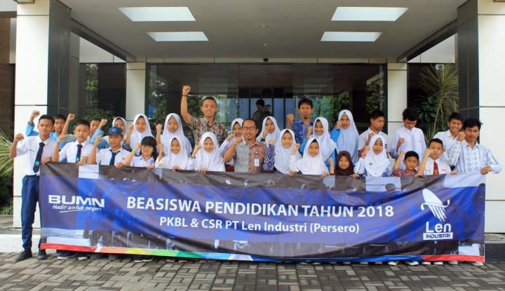 Len Industri Salurkan Beasiswa Pendidikan Bagi 100 Siswa Tak Mampu - Warta Ekonomi