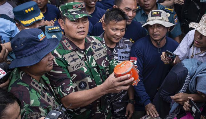 Foto Berita Panglima Koarmada I Siapakah Reward Tim Penyelam CVR Lion Air