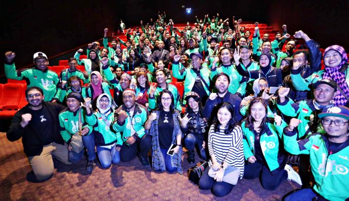 Ratusan Mitra Go-Jek Nobar Film Keluarga Cemara - Warta Ekonomi